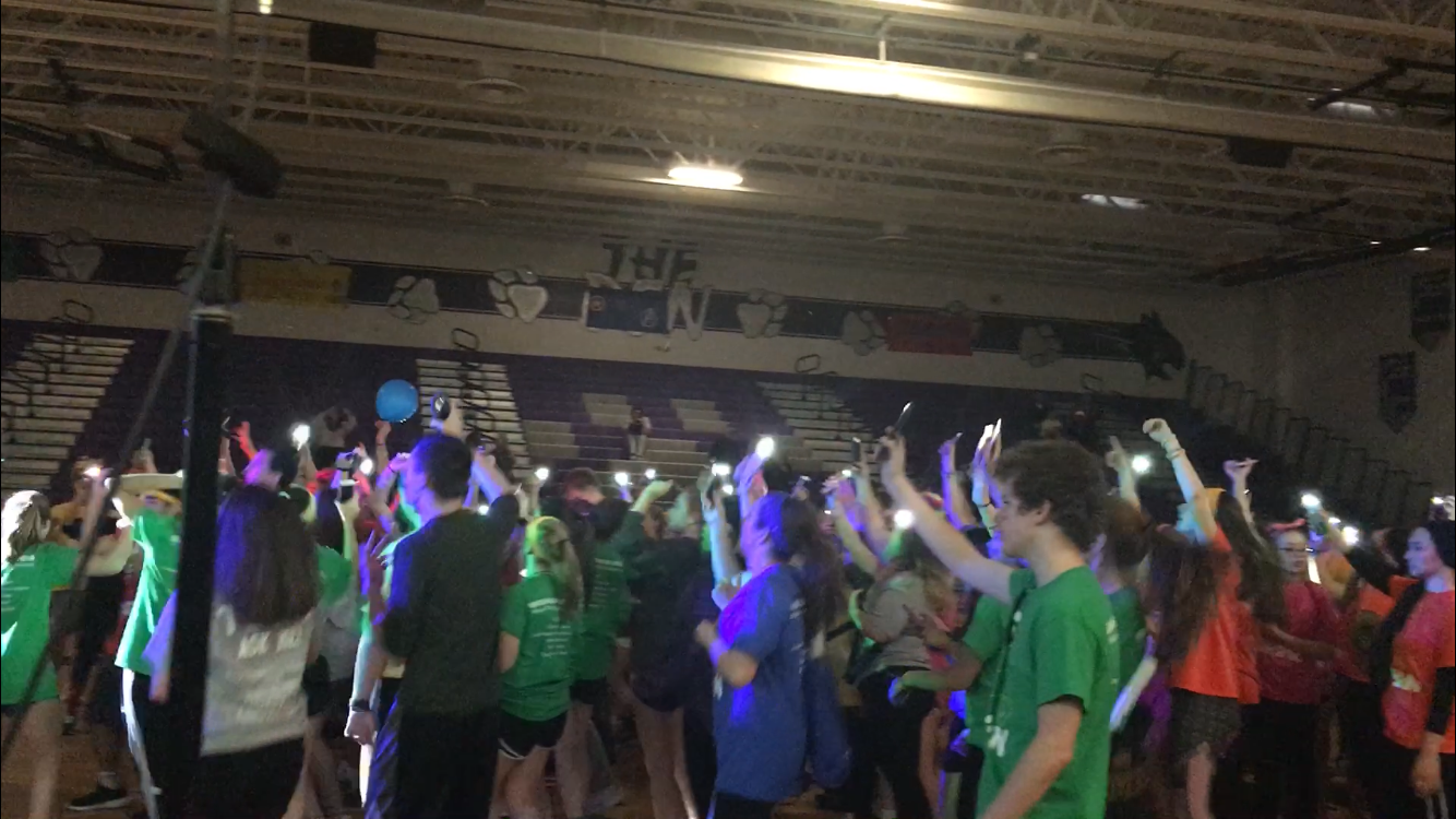 "Students sing ""Sweet Caroline"" at ending ceremony (Photo courtesy of Rebecca Cutsinger)"