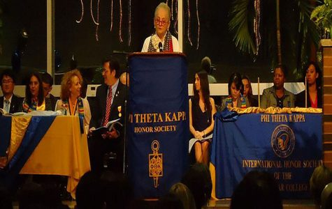 Phi Theta Kappa meeting. Image courtesy of Wikimedia Commons via Creative Commons.